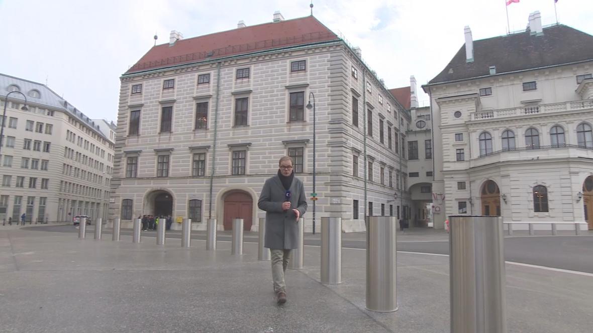 Bezpečnostní sloupky před vídeňským kancléřstvím