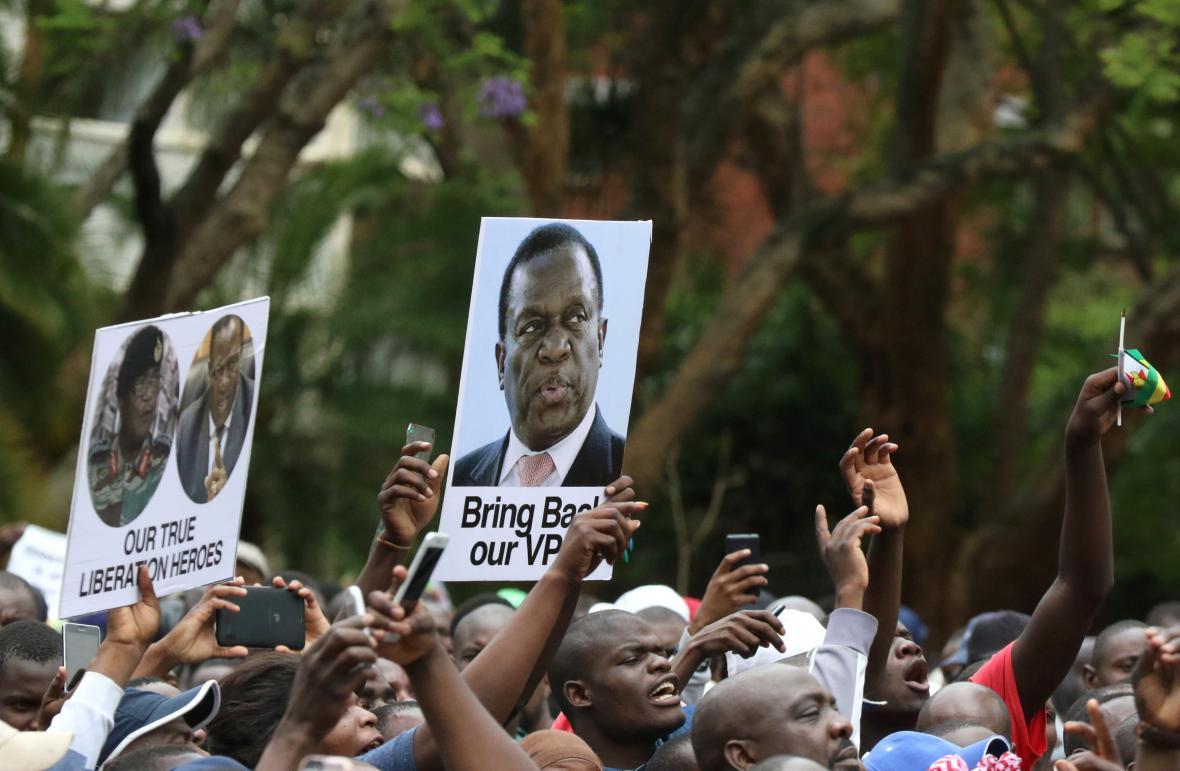 Příznivci budoucího prezidenta Zimbabwe