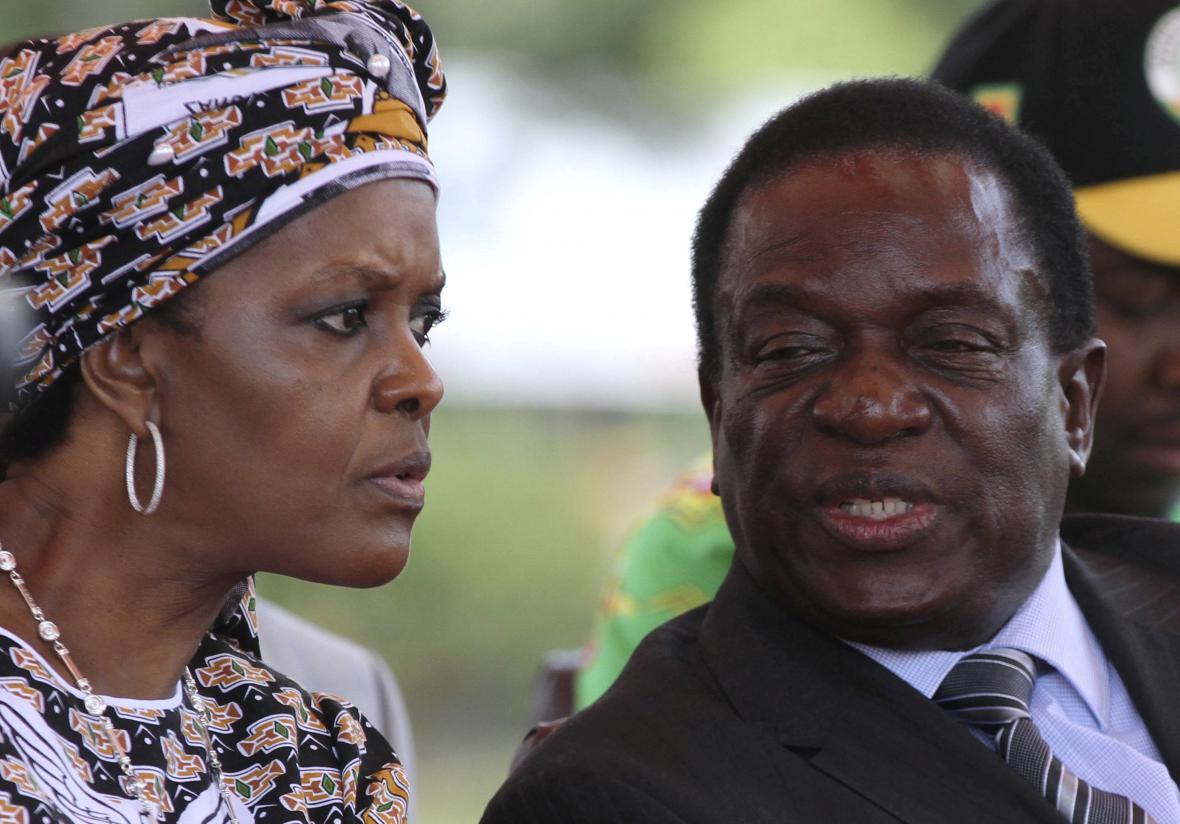 Mugabeho manželka Grace a Emmerson Mnangagwa