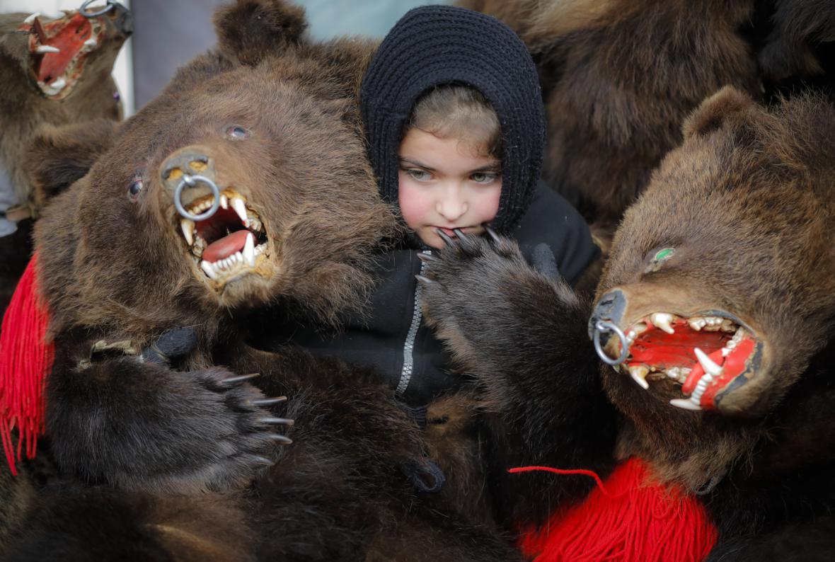 Medvědi jsou součástí rumunské lidové kulturní tradice