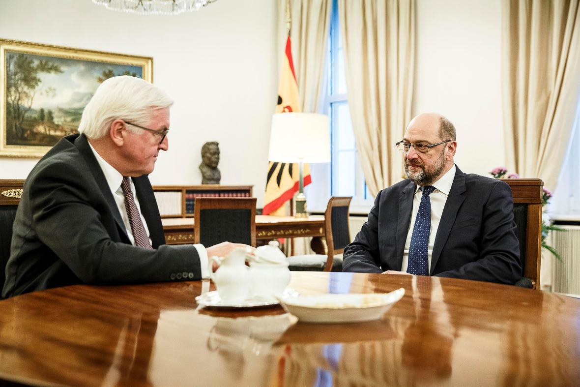 Martin Schulz při konzultaci s prezidentem Frankem-Walterem Steinmeierem