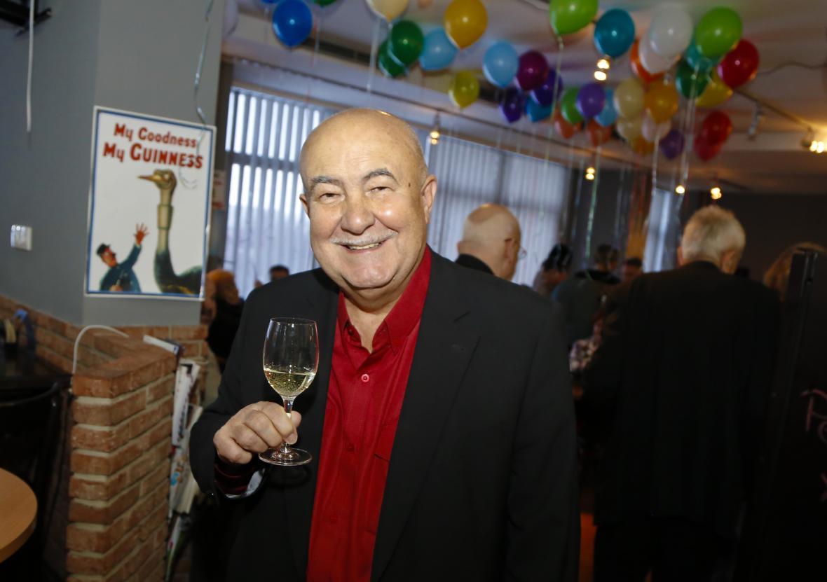 Petr Hannig oslavil své 70. narozeniny v Hotelu Chodov (20. 1. 2016)