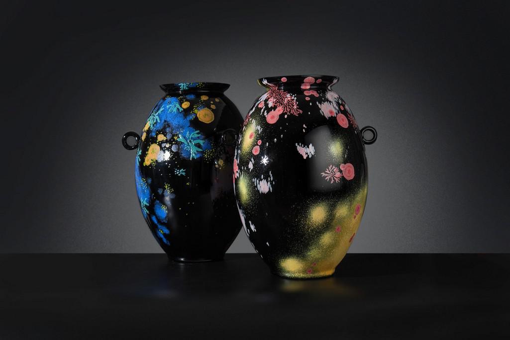 Vázy Dominiky Petrtýlové z ateliéru skla na UMPRUM