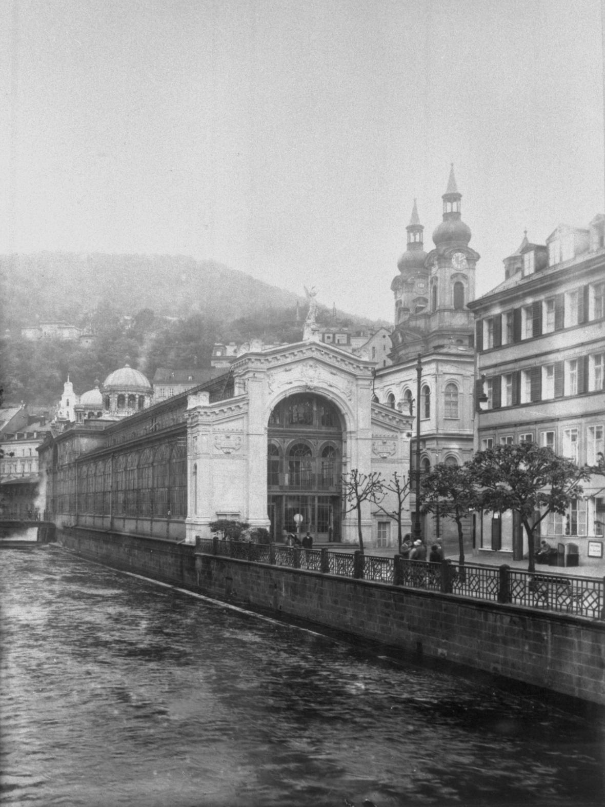 Vřídlo v Karlových Varech (1930)