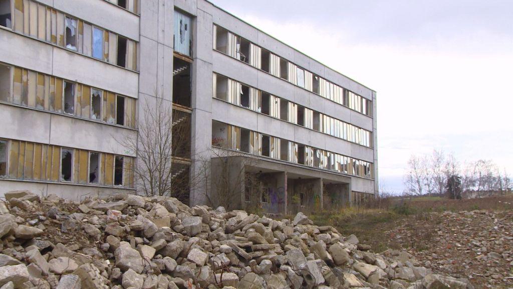Z kasáren v Týně nad Vltavou měly být ubytovny pro dělníky