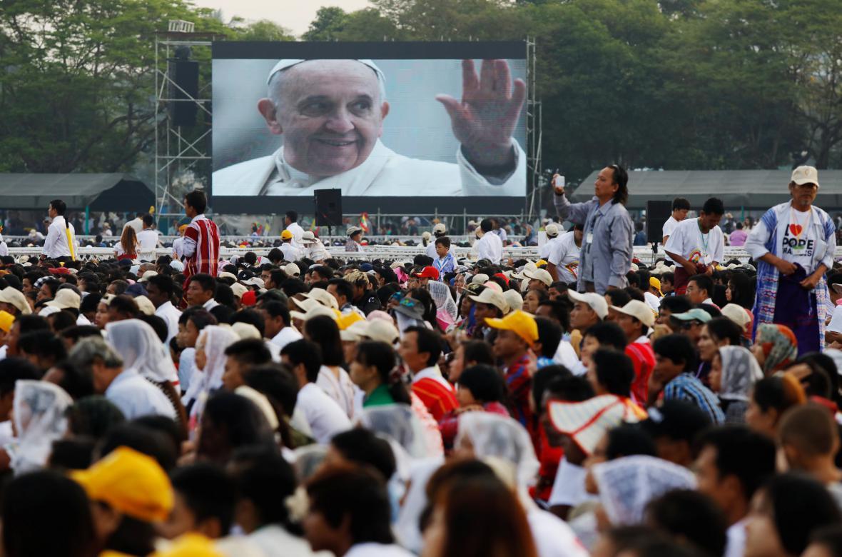 Papežova mše v Myanmaru