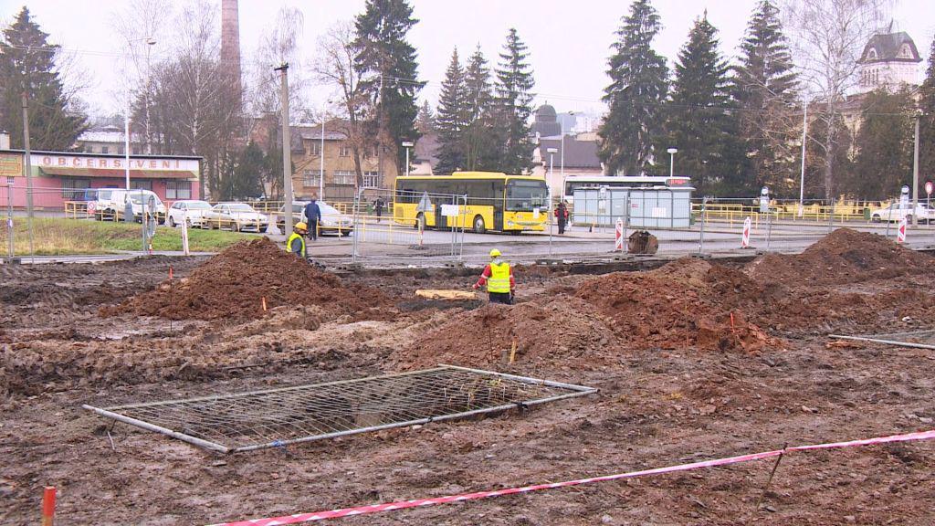 Nové autobusové nádraží vzniká na dohled od stávajícího