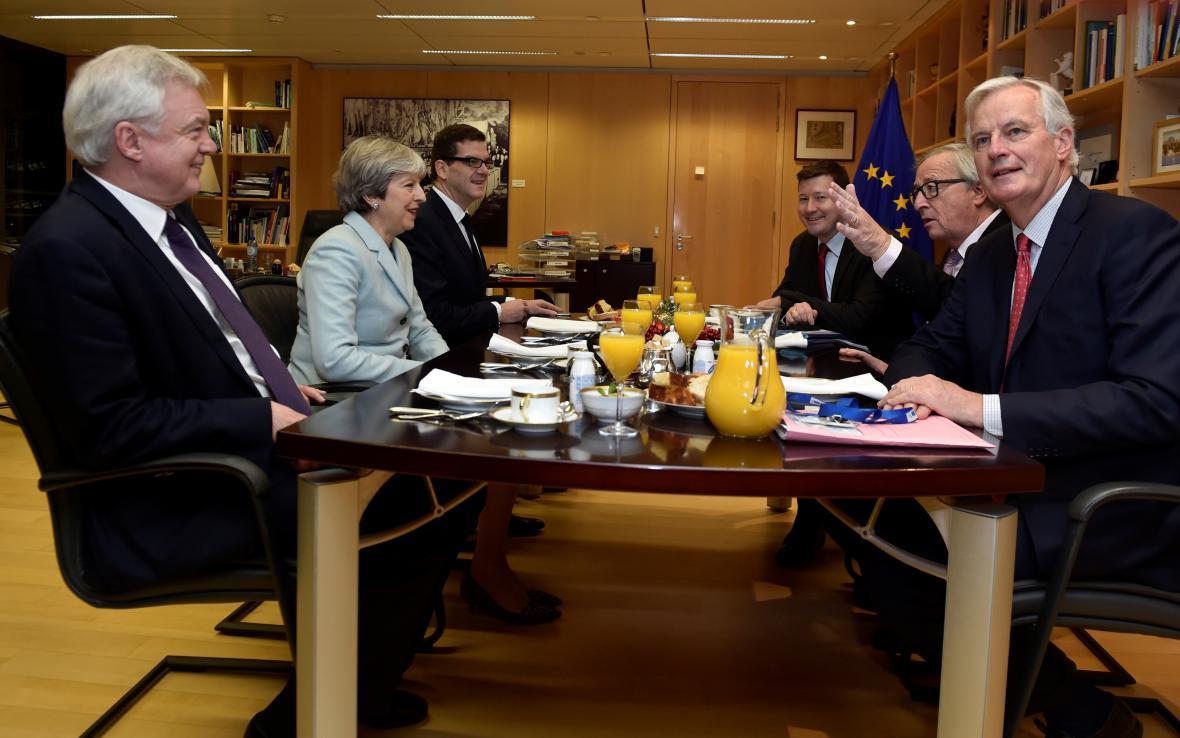 Společné jednání mezi zástupci EU a Velké Británie
