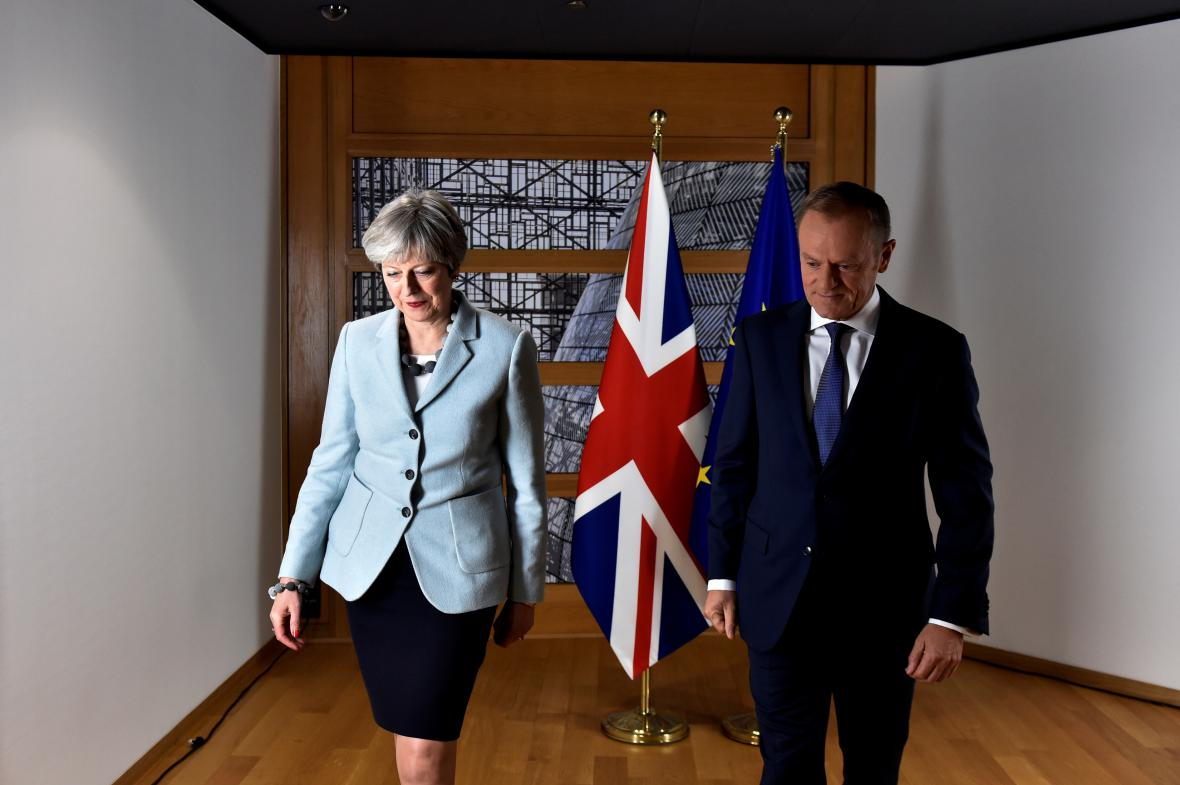 Theresa Mayová se setkala s Donaldem Tuskem