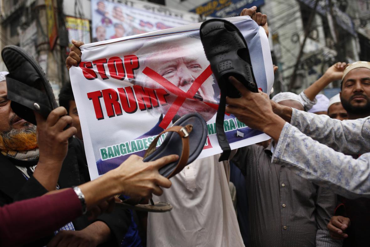 Protest proti Trumpovi v Bangladéši