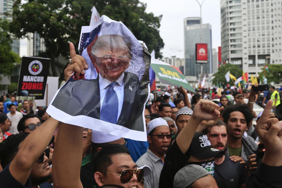 Protesty proti Trumpovi v malajsijském Kuala Lumpuru