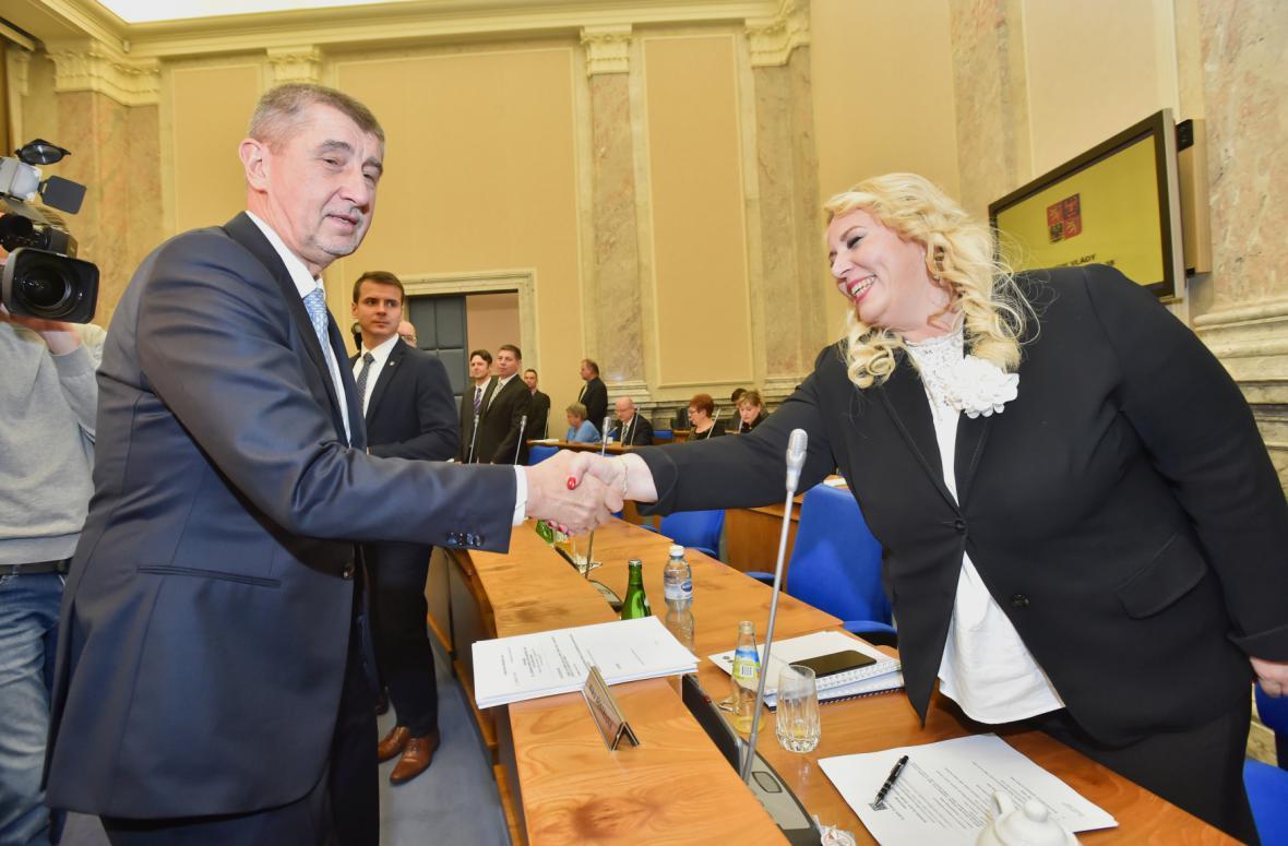 Premiér Babiš s ministryní pro místní rozvoj Klárou Dostálovou