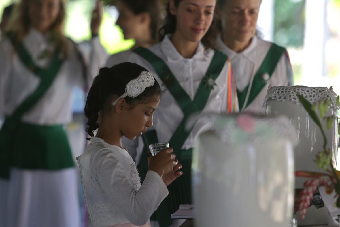 Brazilská ceremonie, při níž se popíjí psychedelický čaj