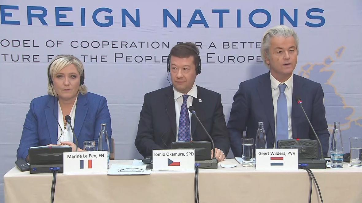 Marine Le Penová, Tomio Okamura a Geert Wilders na pražské konferenci