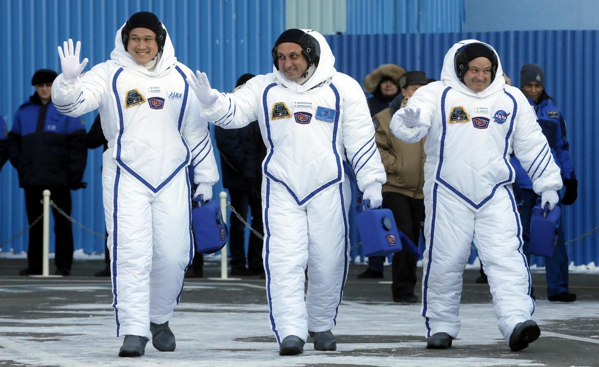 Nová posádka ISS
