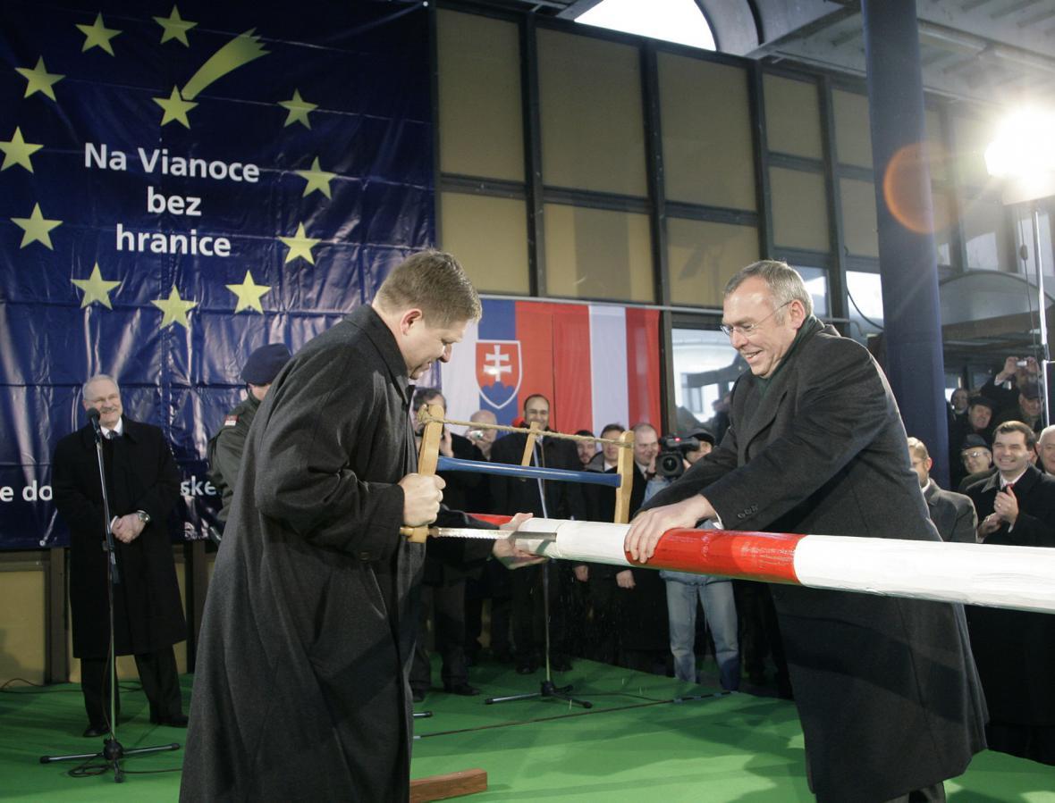 Slovenský premiér Robert Fico se svým rakouským protějškem Alfred Gusenbauerem
