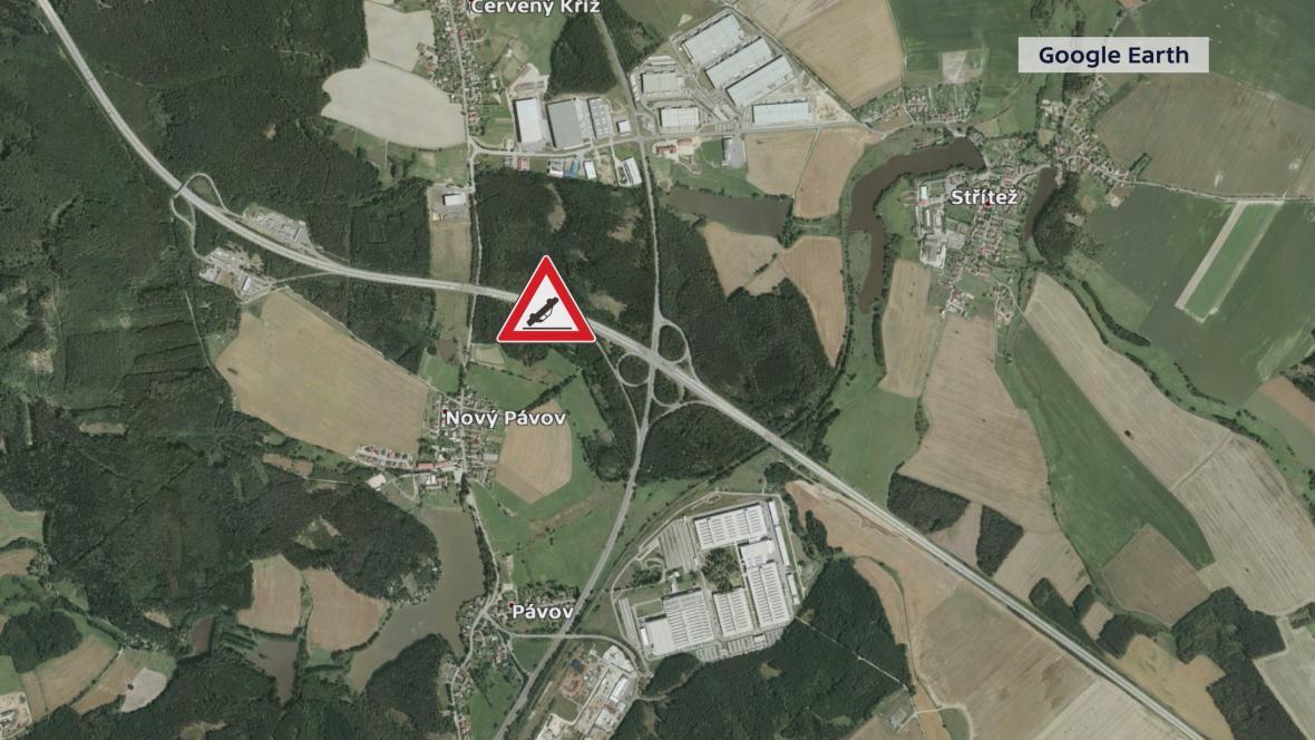 Dopravní nehoda se stala na D1 nedaleko obce Pávov