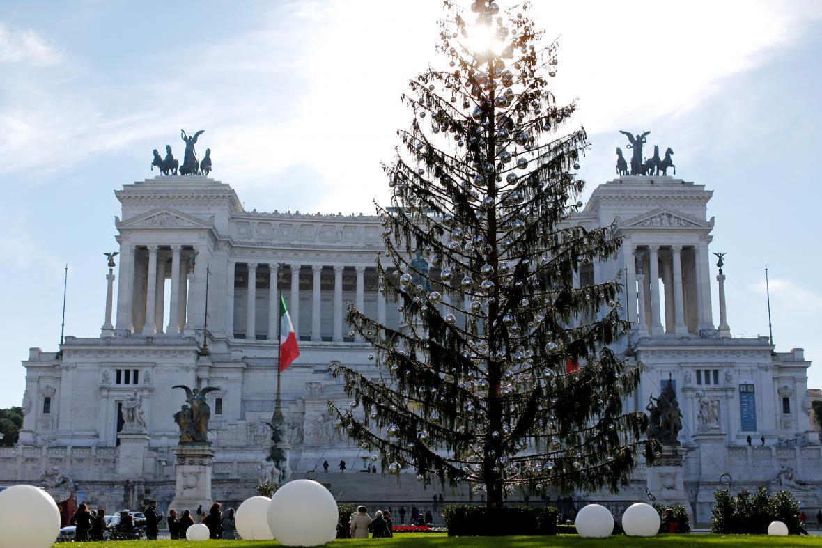 Vánoční strom v Římě