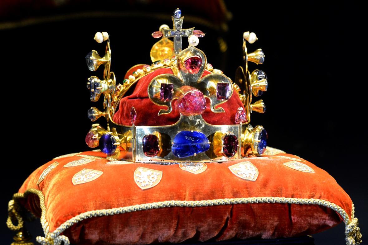 Pražský hrad vystaví v lednu korunovační klenoty 58b3ba741ae