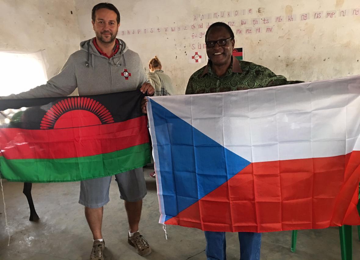 Rastislav Maďar a vlajky v Malawi