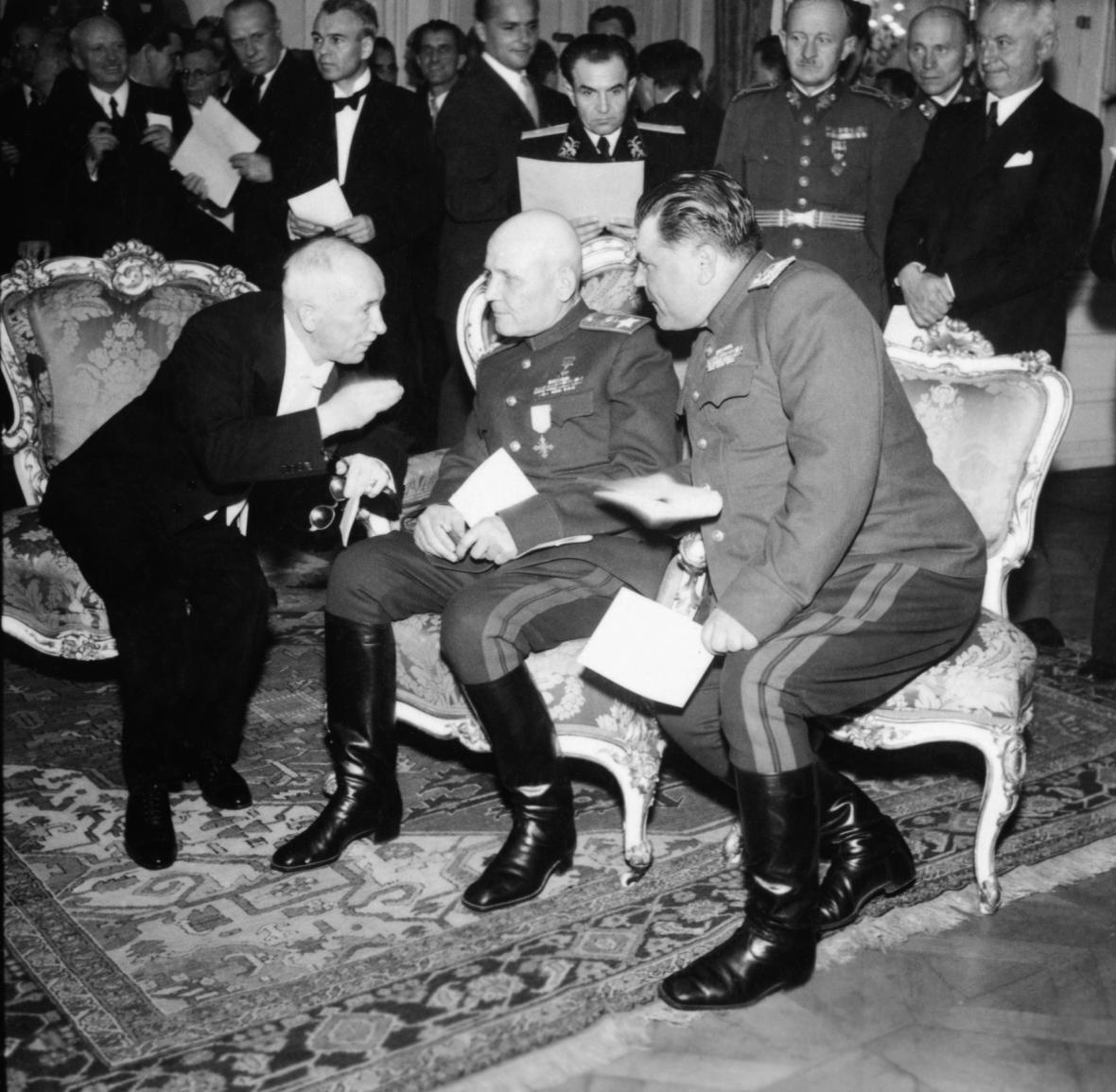 Edvard Beneš, Ivan Koněv a Rodion Malinovskij