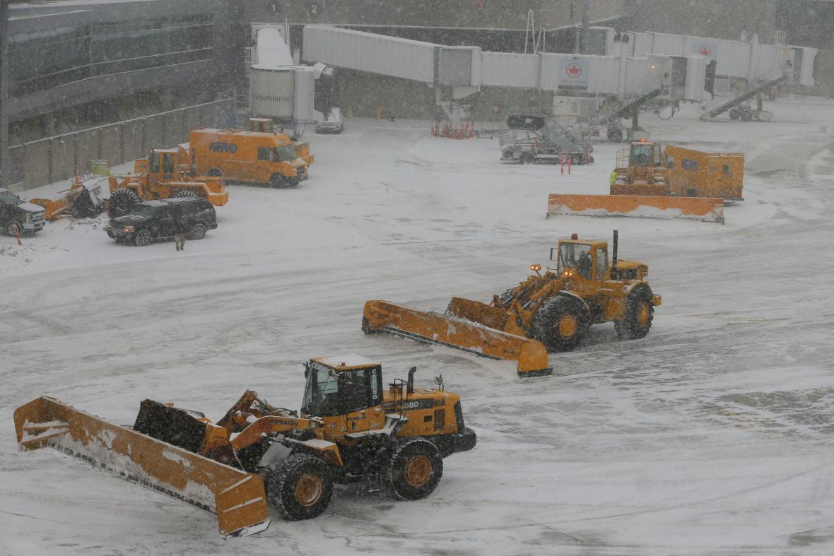 Zasněžené letiště v Bostonu