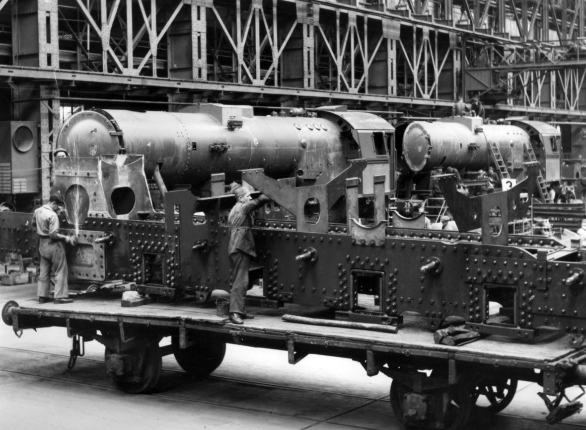 Výroba lokomotiv (Berlín 1943)