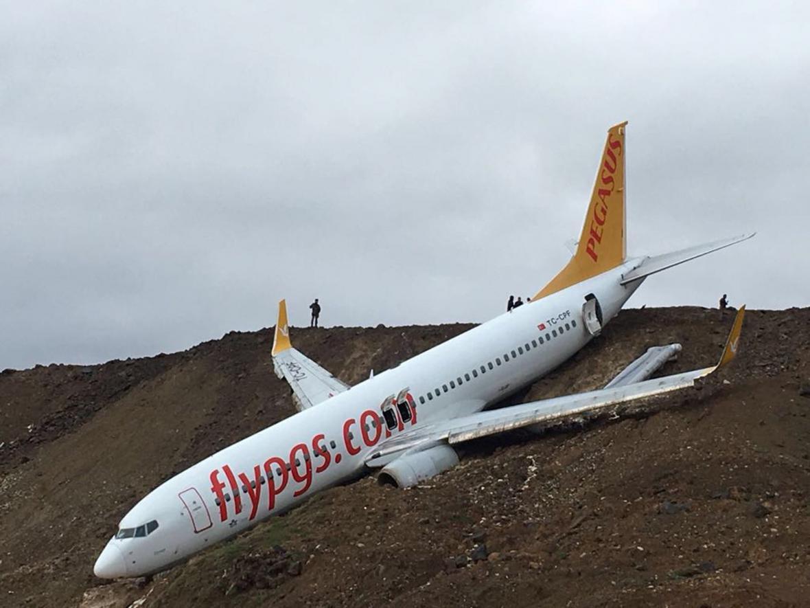 Nehoda tureckého Boeingu