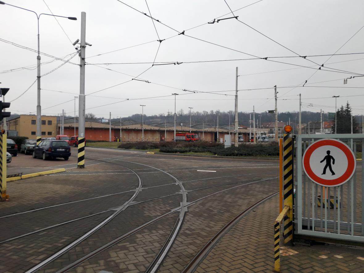 Venkovní prostor hloubětínské vozovny tramvají