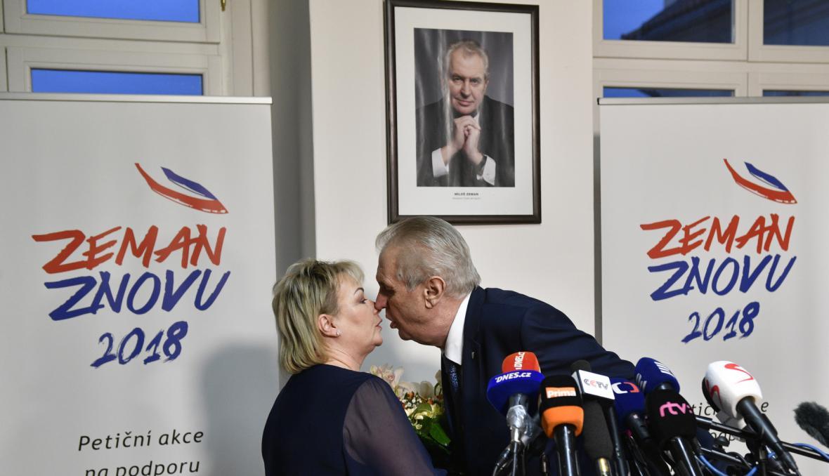 Ivana a Miloš Zemanovi v sídle Strany práv občanů po prvním kole prezidentských voleb