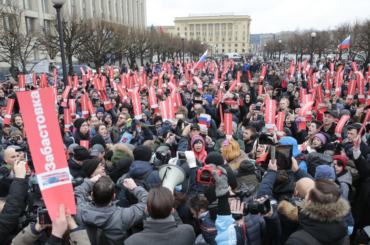 Navalného příznivci v Petrohradě