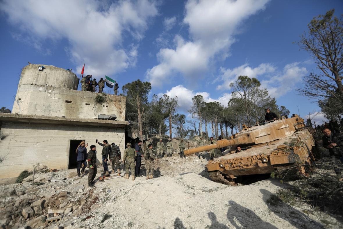 Turečtí vojáci v Afrínu