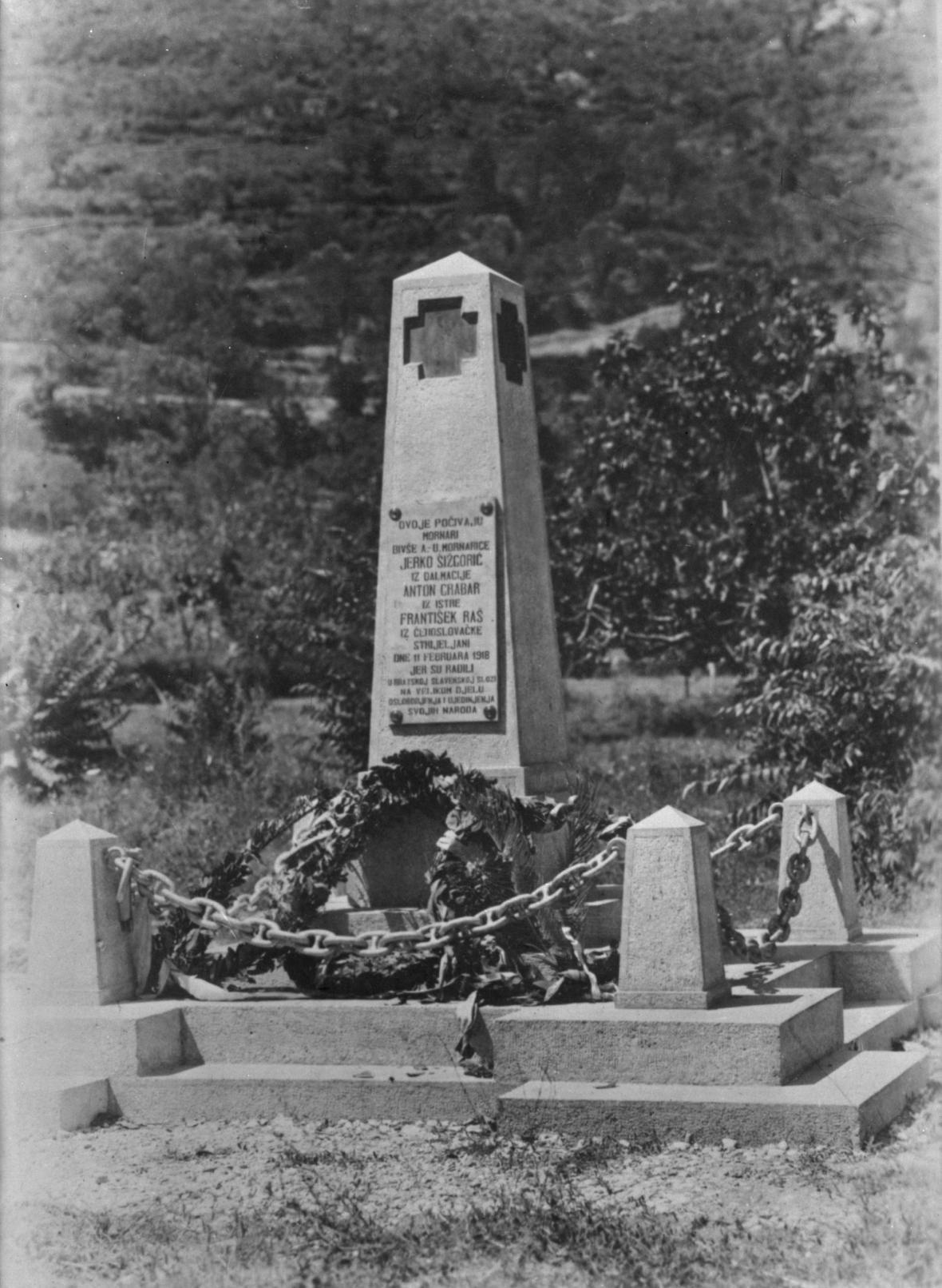 Pomník popraveným v Kotoru