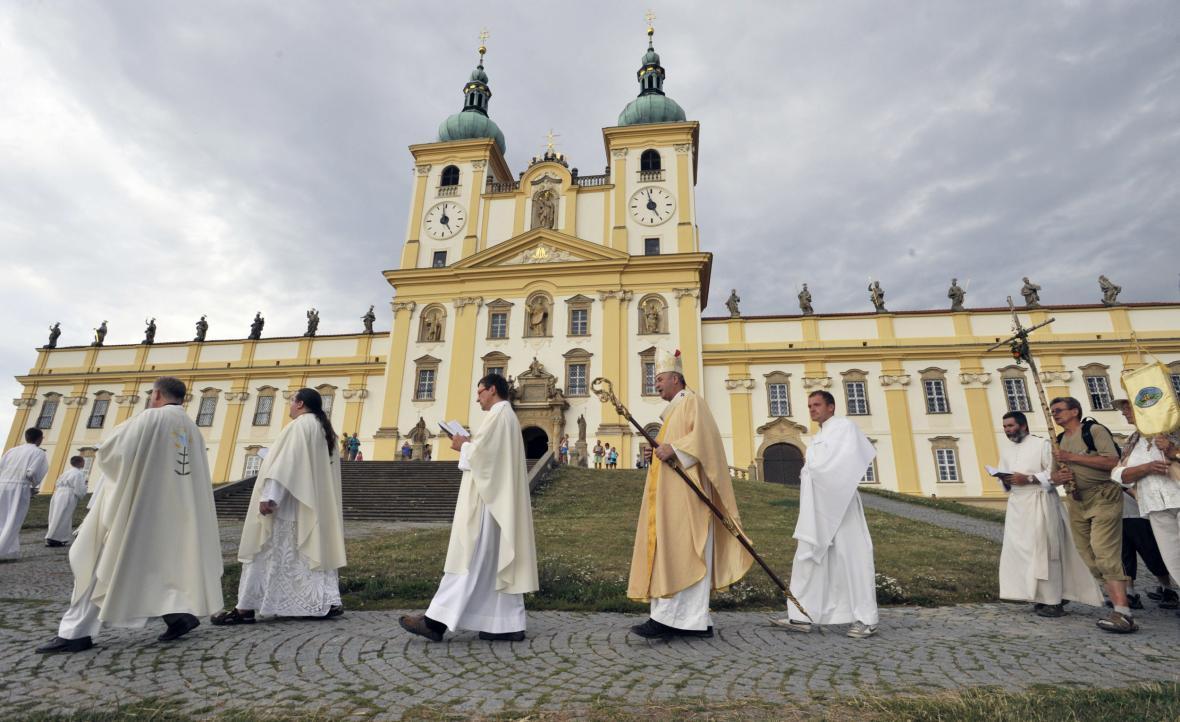 Poutní areál Svatý Kopeček u Olomouce s kostelem Navštívení Panny Marie