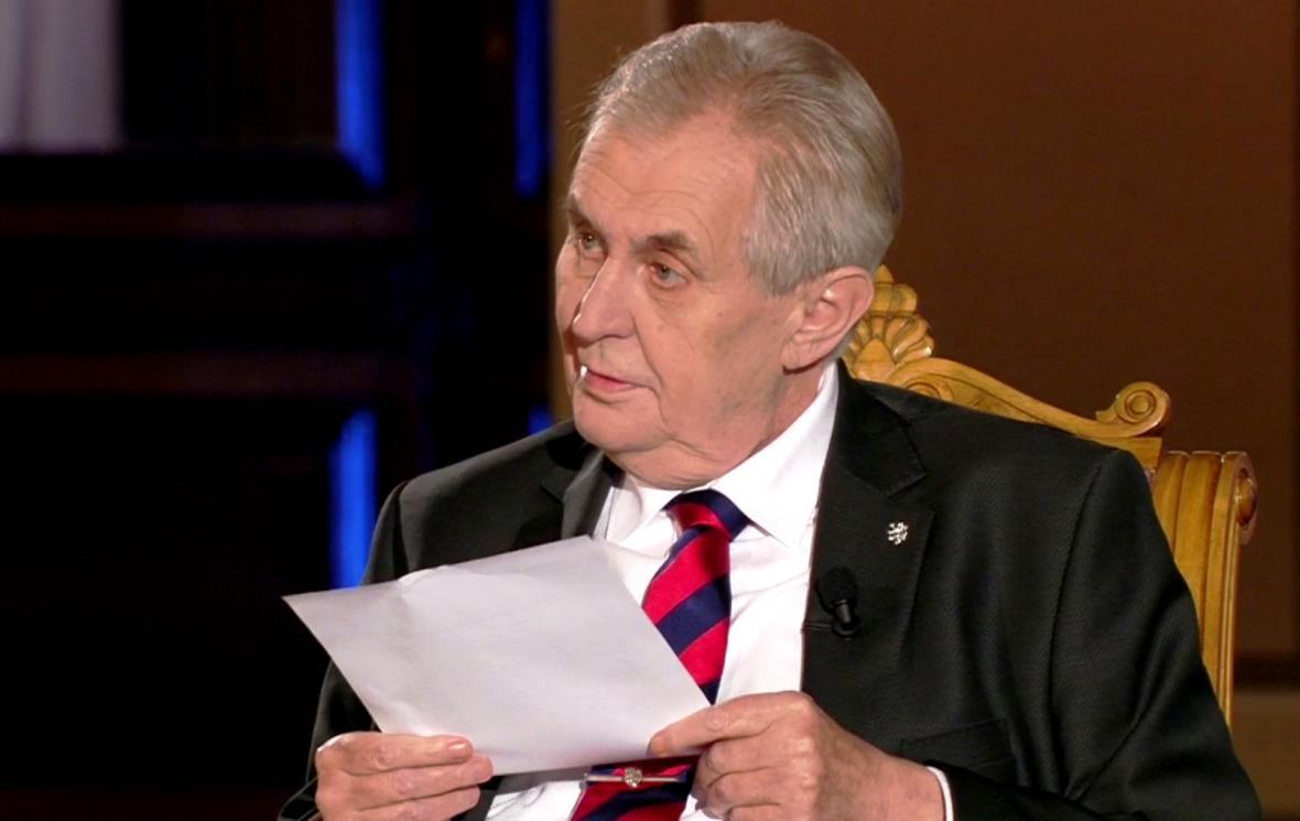 Prezident Miloš Zeman Přinesl do předvolební debaty seznam podporovatelů