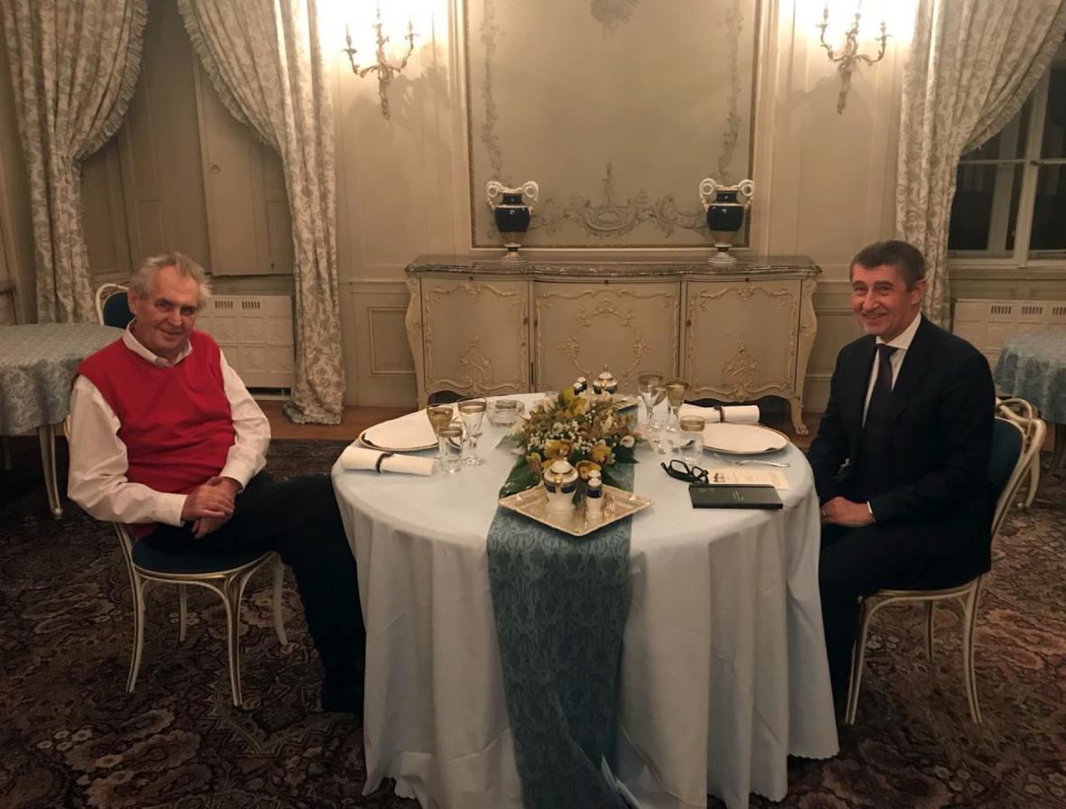 Prezident Miloš Zeman pozval do Lán na večeři premiéra v demisi Andreje Babiše