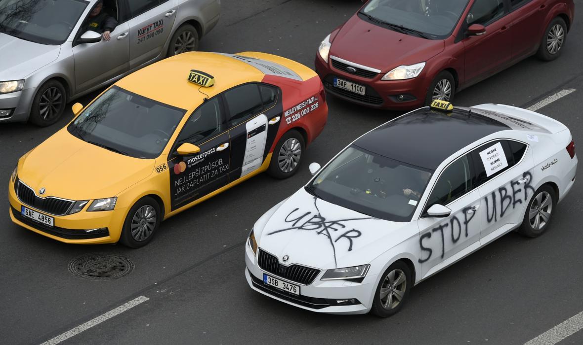 Protesty taxikářů proti Uberu