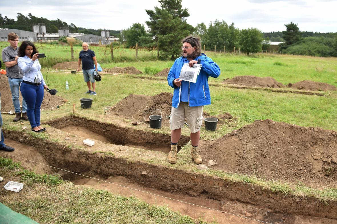 Archeologický průzkum v Letech