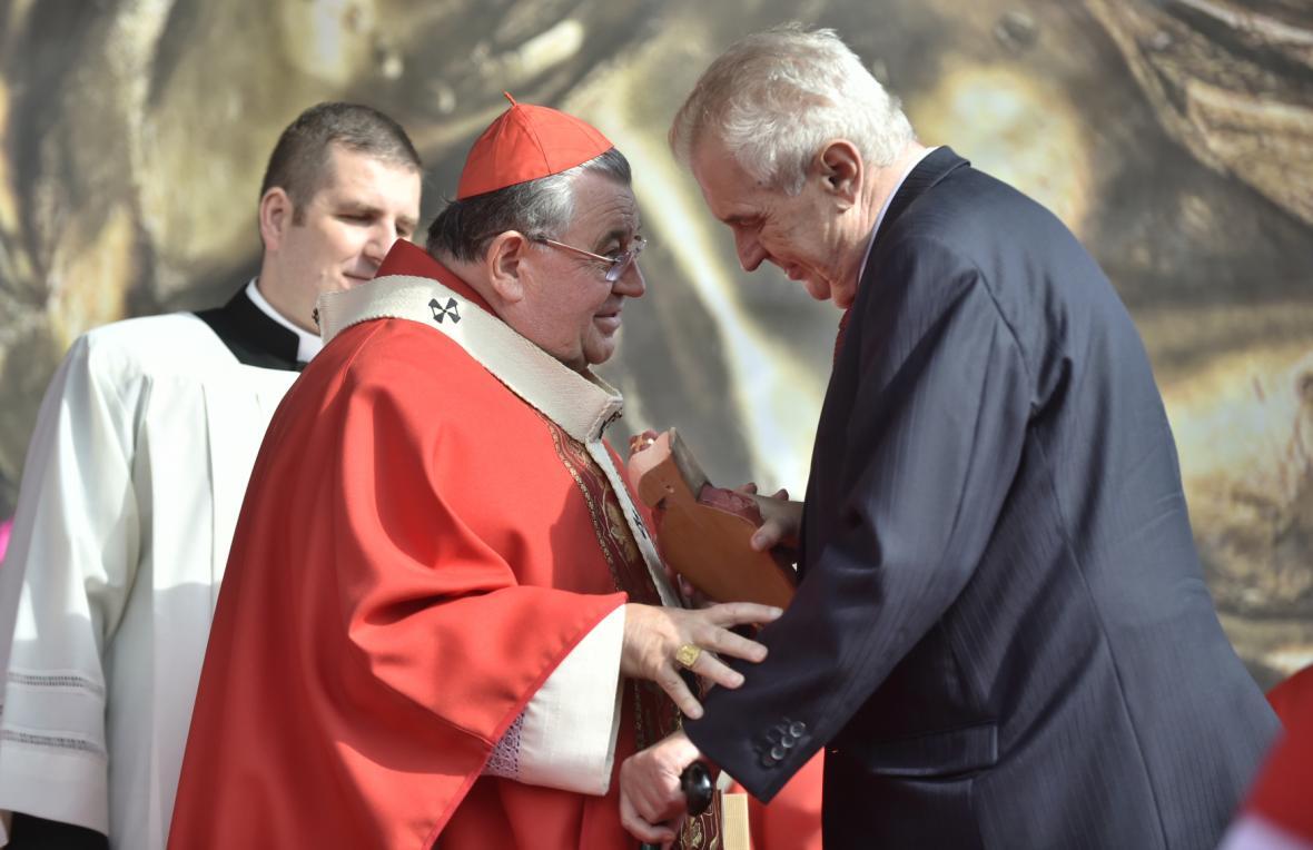 Prezident Miloš Zeman a kardinál Dominik Duka na Národní svatováclavské pouti