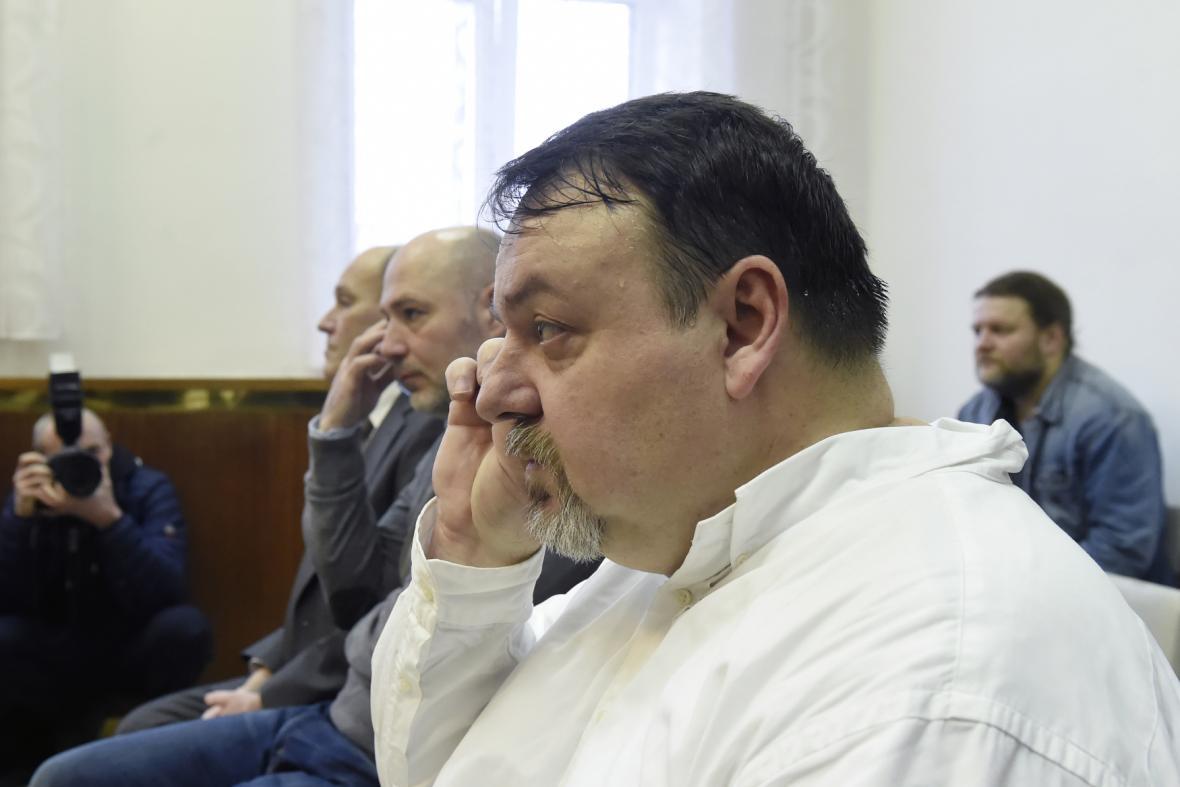 Zprava Daneš Zátorský, Radek Hradil a David Rusňák u Krajského soudu v Ostravě