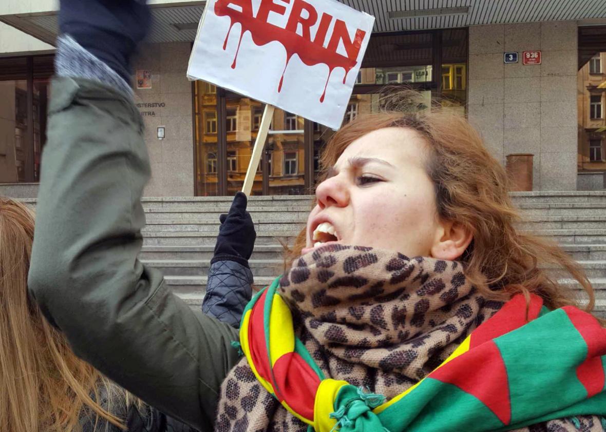 Demonstrace podporovatelů zadrženého kurdského politika Sáliha Muslima před ministerstvem vnitra