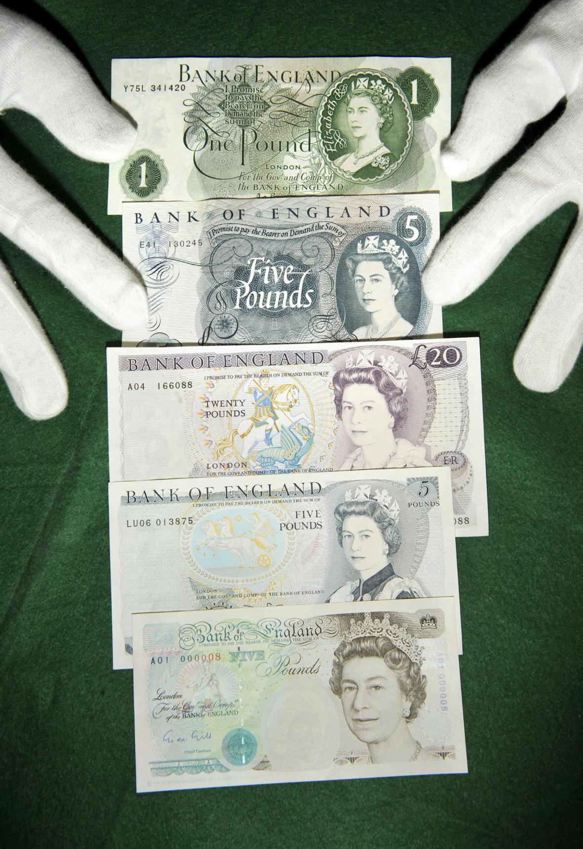Královna Alžběta II. na bankovkách