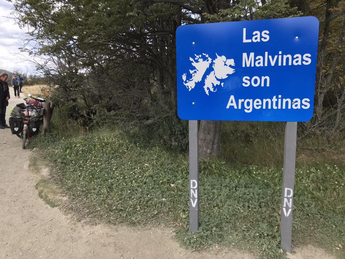 Argentinská tabule týkající se souostroví Falklandy/Malvíny