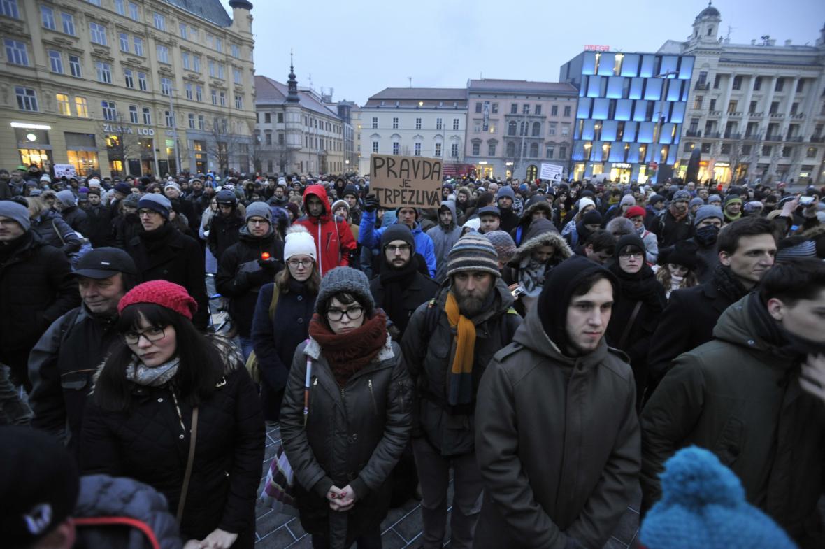 Pietní shromáždění na náměstí Svobody v Brně