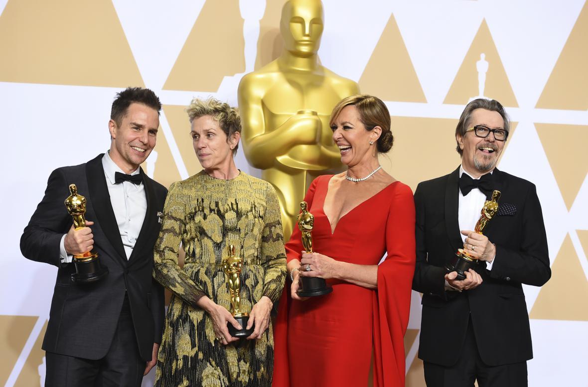 Herecké Oscary: Sam Rockwell, Frances McDormandová, Allison Janneyová, Gary Oldman
