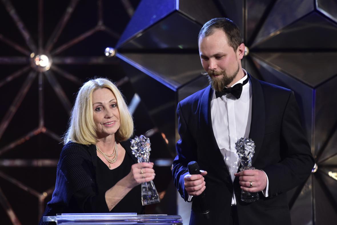 Český lev za rok 2017: Olga Sommerová a producent Pavel Berčík (Červená).