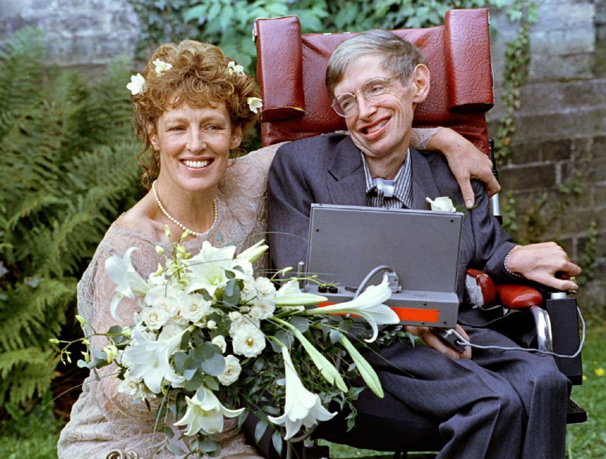 Stephen Hawking se podruhé oženil se svou ošetřovatelkou Elaine Masonovou