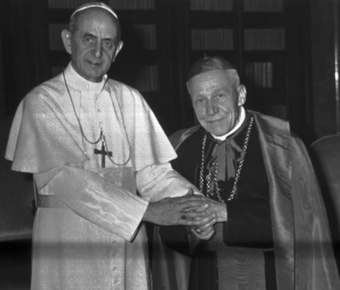 Kardinál Beran na audienci u papeže Pavla VI. při příležitosti kardinálových 80. narozenin