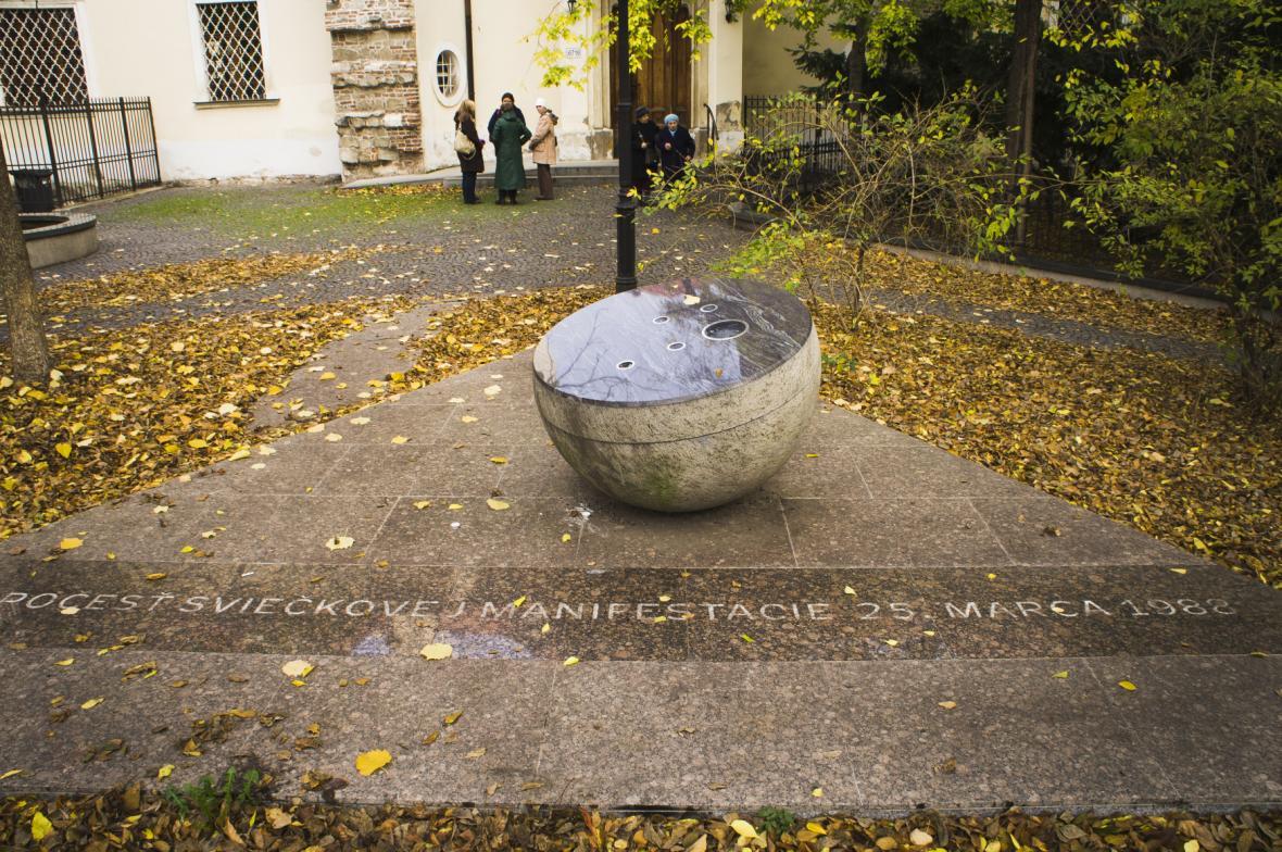 Památník Svíčkové demonstrace