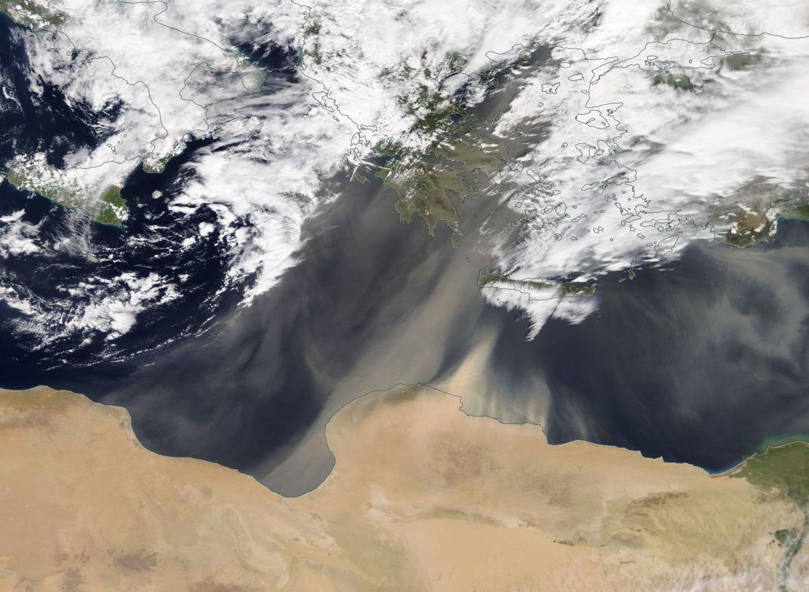 Saharský písek letí na Evropu